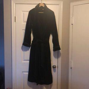 Soma plush robe